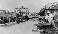 Ludwig Angerer - Kretzulescu House (in the left). We can see a bridge and the Dambovita river with its slums, Paris, Bucharest Romania, Slums, Old City, Places To Visit, Memories, Black And White, Country, Buildings