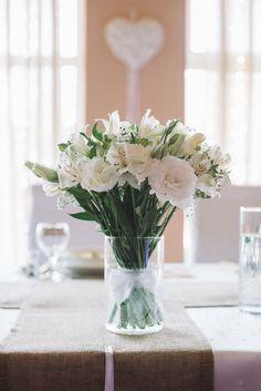 dekoracja na stole, kwiaty, wesele   zdjęcie:  PhotoDuet         florystyka, dodatki, poligrafia: minwedding