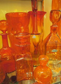 have never seen Orange glass. Spray the glass either orange or blue and add flowers? Jaune Orange, Orange Yellow, Burnt Orange, Orange Color, Orange Soda, Blue, Orange You Glad, Orange Is The New, Bottles And Jars
