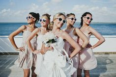 "10 ""non-traditional"" must-have wedding photos #beachweddingideas"
