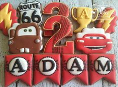 Disney Cars cookies Car Cookies, Disney Cookies, Cookies For Kids, Car Themed Parties, Cars Birthday Parties, 3rd Birthday, Birthday Ideas, Gateau Flash Mcqueen, Lightning Mcqueen Party