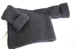 les tricots de Granny - Le pull de Balthazar création Granny © - Taille 9 mois -