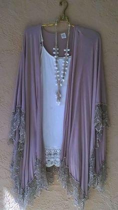 Image of Violet mauve Crochet ruffle Romantic Beach Bohemian Zen Yoga Kimono - Bohemian Angel - Fashions Hippie Style, Mode Hippie, Bohemian Mode, Gypsy Style, Boho Gypsy, Hippie Boho, Bohemian Style, Bohemian Fashion, Bohemian Kimono