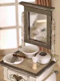 Mueble de afeitado ó page en madera pintada a mano. por MINIATURAFR