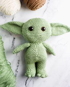 How to Crochet Baby Yoda - A Free Amigurumi Pattern - Sarah Maker # How to Crochet . - How to Crochet Baby Yoda – A Free Amigurumi Pattern – Sarah Maker to make crochet toys - Star Wars Crochet, Crochet Stars, Cute Crochet, Crochet Crafts, Crochet Projects, Knit Crochet, Easy Crochet, Crochet Eyes, Crochet Mask