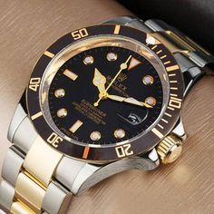 Oshi.pk is bringing a deal of Watch for Men - Rolex Submariner Watch in such low price which you can't resist.