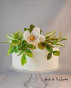 The importance of Sugar Leaves in a simple cake by Sonia de la Cuadra