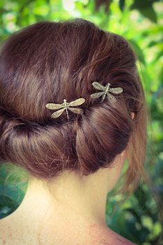 Hey, I found this really awesome Etsy listing at https://www.etsy.com/listing/158354845/dragonfly-bobby-pins-set-of-two-antique