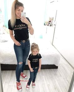 Mom Daughter Matching Outfits, Mom And Baby Outfits, Couple Outfits, Matching Family Outfits, Baby Girl Dresses, Outfits Madre E Hija, Little Girl Fashion, Kids Fashion, Mother Daughter Fashion