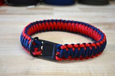 Paracord Dog Collar | DIY Pet Ideas  #DIYready http://diyready.com/cool-paracord-projects/#5
