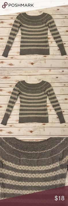 EUC Banana Republic Sweater Sweater weather is officially here (well at least on the east coast). 60% cotton, 23% nylon, 10% wool, 7% angora. Banana Republic Sweaters