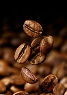 Home Brewed Cappuccino In 3 Easy Steps – Espresso Shots I Love Coffee, Coffee Art, Coffee Break, Best Coffee, My Coffee, Coffee Drinks, Coffee Shop, Coffee Cups, Starbucks Coffee