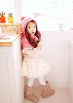 Just like a doll. Asian Kids, Asian Babies, Dps For Girls, Kids Girls, Little Kid Fashion, Kids Fashion, Cute Kids, Cute Babies, Boy Outfits