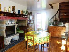 """#gîte #Corrèze """"Au bout du chemin"""" Une maison rustique et ensoleillée où l'on se sent bien."""