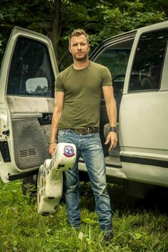 I think Dierks Bentley would make a perfect Sawyer Country Man, Country Strong, Male Country Singers, Country Artists, Dierks Bentley, Westerns, Country Music Stars, Music Love, Attractive Men