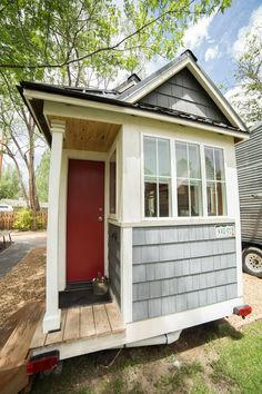 The Ritz Carlston Tiny House for sale on the Tiny House Marketplace. FOR SALE: The Ritz Carlston Tiny House! Built based off of plans for a popular tiny Tiny House Trailer, Tiny House Plans, Tiny House On Wheels, Tyni House, Tiny House Listings, Tiny House Bathroom, Tiny Houses For Sale, Bedroom Layouts, Tiny House Design