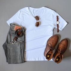 """Get your look right fam. As a viral """"tell your friends"""" promotion this website is giving away free watches and sunglasses. Link in bio. Threadandfashion.com"""