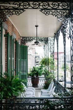 soniat house, new orleans Local Milk Wander Guide for NoLa New Orleans Homes, New Orleans Louisiana, Louisiana Usa, New Orleans Decor, Louisiana Creole, New Orleans Art, Outdoor Spaces, Outdoor Living, Southern Porches