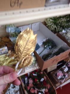 Gold leaf small