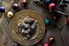 Melomakarona/Honey cookies - Μελομακάρονα Greek Christmas, Honey Cookies, Honey Syrup, Christmas Desserts, Food, Christmas Deserts, Eten, Meals, Diet