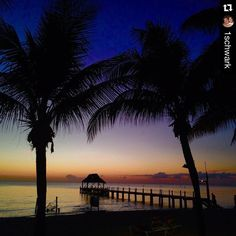 A beautiful #Caribbean #sunset in #paradise to end the week!  #UnlimitedVacationClub repost from @1schwark at #SecretsAura #Cozumel