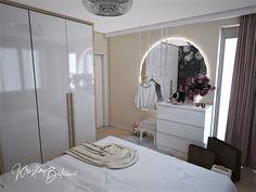 Návrh interiéru bytu Romantika v akcii, pohľad cez posteľ v spálni Oversized Mirror, Furniture, Home Decor, Nostalgia, Decoration Home, Room Decor, Home Furnishings, Home Interior Design, Home Decoration