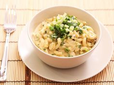 Green Chile Chicken Macaroni and Cheese - Serious Eats Chicken Macaroni And Cheese Recipe, Chili Mac And Cheese, Macaroni Cheese, Chicken Recipes, Mac Cheese, New Recipes, Cooking Recipes, Entree Recipes, Cooking Ideas