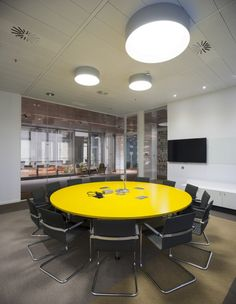 Microsofts New Madrid Office / 3g office