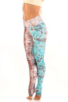 Gaby Legging - Bluebee  This has to be one of the most adoreable yoga pants I have ever seen.
