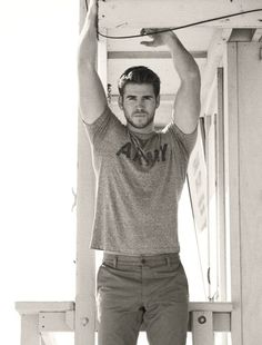 Liam-why does he like miley!? ugh. thing is tho, gail is defo fitter than peeta but katniss loves peeta therefor i'm team peeta leaving gale single!! anyone else realized that!!?