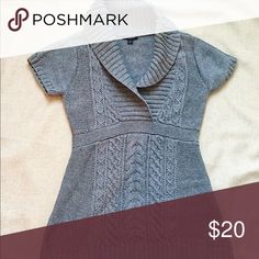 Banana Republic short sleeve sweater Adorable hardly worn charcoal grey sweater. A long dress type style so worn perfectly with leggings! Banana Republic Sweaters V-Necks