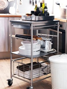 Wheel it out when you need it, away when you don't with the GRUNDTAL kitchen cart!
