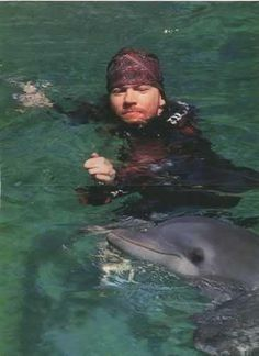 """Axl """"and"""" a dolphin?! I just died..."""