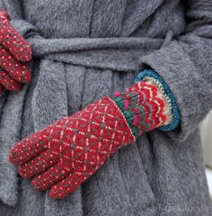 Knitting Gloves Pattern Colour Ideas For 2019 Knitting Stitches, Knitting Designs, Knitting Projects, Knitting Patterns, Crochet Patterns, Knit Mittens, Knitted Gloves, Knitting Socks, Motif Fair Isle