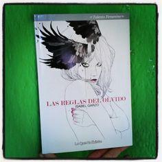 Las Reglas del Olvido es el último libro de la periodista y directora de comunicación Isabel Garzo. Foto por Rocío Pastor Eugenio. WOMANWORD @Woman_Word