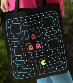 This Pac-Man tote is so adorable!  Brings back nostalgic memories of playing this popular video game as a kid!