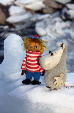 It's winter magic in Suomenlinna! #toymuseumhelsinki #suomenlinnanlelumuseo