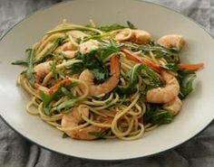 Spaghetti with prawns, anchovy and capers
