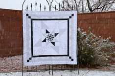 Just Let Me Quilt: Riley Blake Designs Sparkle Basics Blog Tour New Years Eve Fireworks, Cool Rocks, Black Thread, Riley Blake, Quilting Tips, Fun Projects, Quilt Patterns, Free Pattern, Things To Come