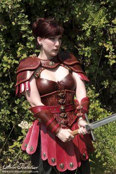 Armure cuir GN antique romaine femme - leather fantasy medieval armor larp women lady antik roman design                                                                                                                                                      Plus