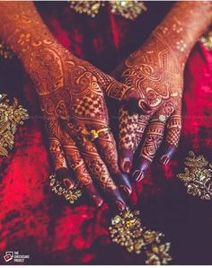 Henna Tattoos Designs images are present on this article.Tattoos designs looks beautiful and elegant. Mostly teenagers like to apply tattoos. Wedding Mehndi Designs, Mehndi Art Designs, Latest Mehndi Designs, Mehndi Images, Henna Tattoo Designs, Mehendi, Dulhan Mehndi Designs, Henna Mehndi, Arabic Henna