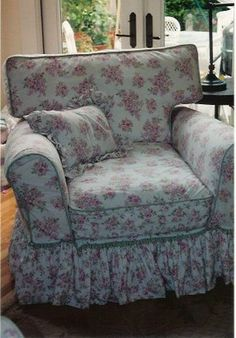 A Little of This That and the Other: SHABBY CHIC SLIPCOVERS