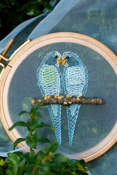 Plays With Needles - embroidery on organza - love this two parrots on stick Embroidery Art, Cross Stitch Embroidery, Embroidery Designs, Herringbone Stitch, Bird Crafts, Gold Work, Needlepoint, Plays, Needlework