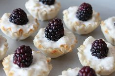 Goat Cheese, Blackberry and Pear Bites. Yummy. If these aren't fancy & adorable, I'm not sure what is #ABKblendtecgiveaway