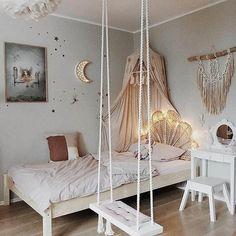 Love this kids room swing! Bedroom Swing, Boho Bedroom Decor, Bohemian Decor, Bohemian Style, Cute Room Decor, Teen Room Decor, Nursery Decor, Girl Bedroom Designs, Girls Bedroom