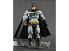 Frank Miller style The Dark Knight Returns Batman with a MOTUC buck as it's base. Nice.