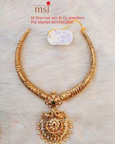 Jewelry Design Earrings, Gold Jewellery Design, Indian Gold Necklace Designs, Indian Necklace, Gold Temple Jewellery, South Indian Bride Jewellery, Gold Jewelry Simple, Choker, Marriage Jewellery
