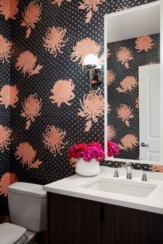 Floral Friday: this powder room brightens my day! Designed by this condo belongs to Chicago-based artist Michelle Hartney and is so fun and globally inspired. I loved hanging this paper for such a cool client. Accent Wallpaper, Chicago Artists, Circular Pattern, Wall Installation, Consumer Products, White Fabrics, Designer Wallpaper, Floral Motif, Slate