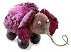 Adorable Animal Sculptures Made From Fruits And Vegetables (Photo Galery) L'art Du Fruit, Fruit Art, Fruit Cakes, Veggie Art, Fruit And Vegetable Carving, Veggie Food, Vegetable Animals, Purple Elephant, Food Sculpture