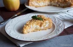 La torta sbrisolona mele e ricotta è una rivisitazione del classico dolce povero nato a Mantova nel Seicento e amato anche dai Signori Gonzaga.